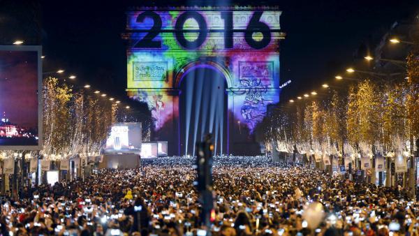 Actualités du Mali - La naissance de 2016 célébrée sous haute surveillance dans le monde