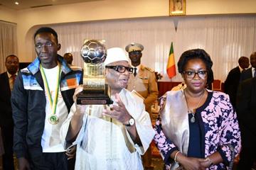 U20 Niger 2019 : IBK reçoit les Aiglons, champions d'Afrique