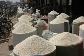 Consommation: Le riz brisé 100% non parfumé importé sera vendu à 350 FCFA/kg à compter du 1er avril prochain