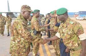 Attaque du camp de Dioura : Le ministre de la Défense apporte le soutien des Maliens à nos militaires