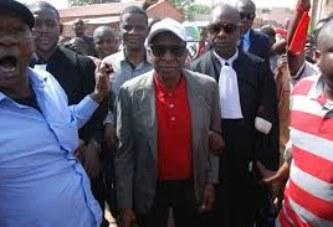 Affaire Nouhoum Tapily-Mamadou Sinsy Coulibaly : Les jeunes empêchent Sinsy d'être entendu par le juge