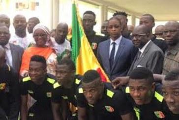 Mondial U20: Remise du drapeau national à l'équipe nationale junior