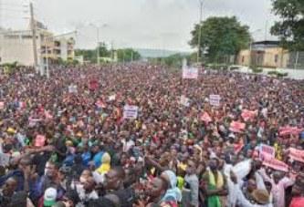 Manifestation du 11 Août : Après une première nuit passée au boulevard, les manifestants dispersés