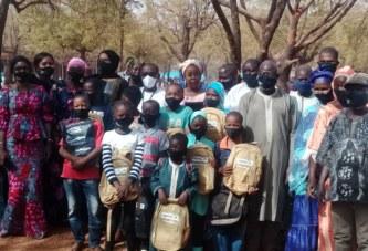 Société Yara Oil : Des kits scolaires et sanitaires offerts aux enfants démunis