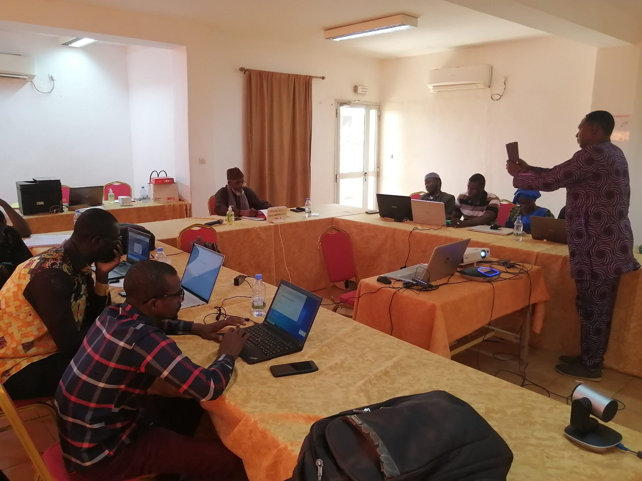 Adaptation au changement climatique dans le bassin de la Volta : Les techniciens à l'école de gestion des inondations, la sécheresse et l'alerte précoce