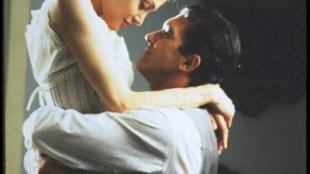"Scena iz filma ""Prvi grijeh"" (""Original sin"")"