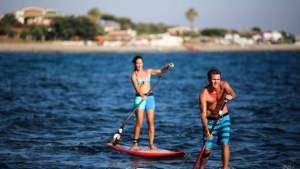 https://roma.repubblica.it/cronaca/2016/08/12/foto/da_santa_marinella_a_fregene_tutti_pazzi_per_il_paddle_yoga-145844540/1/#1