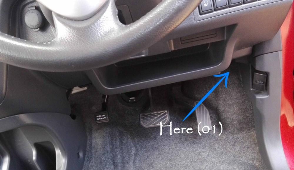 medium resolution of suzuki wagonr hybrid stingray fuse design under the steering wheel