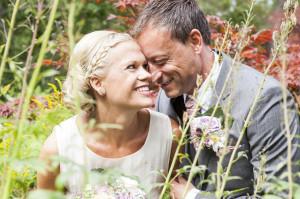 Marina Magnus Martis bröllop grönska vintage kärlek lycka brud brudgum