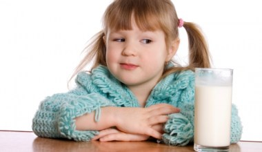 http://wartakesehatan.com/uploads/content/.thumb/2016-08/27/ilham/large-mengenal-alergi-pada-anak.jpg