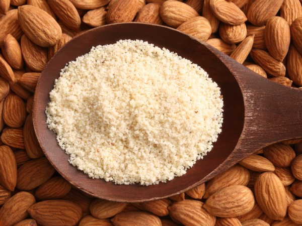 Almond Untuk Kulit Sehat