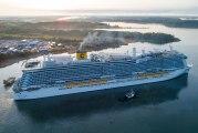 """Mega-Cruiser """"Costa Smeralda"""" geht in Palma de Mallorca vor Anker"""