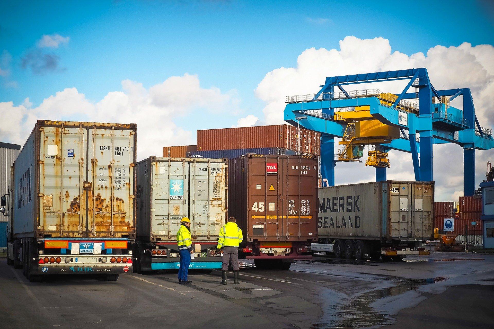 Fracht im Containerhafen