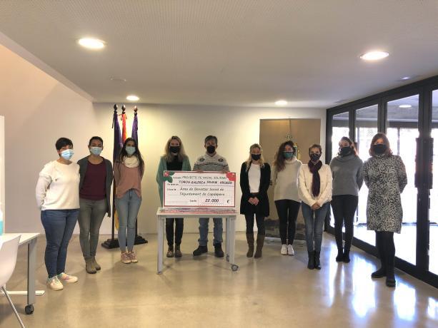 Künstler spendet 22.000 Euro aus Versteigerung für Kinder