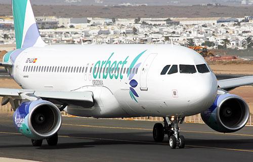 Flugzeug der Orbest Airline