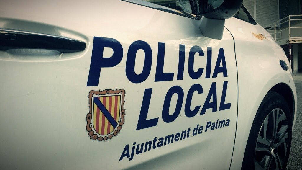 Fahrzeug der Policia Local