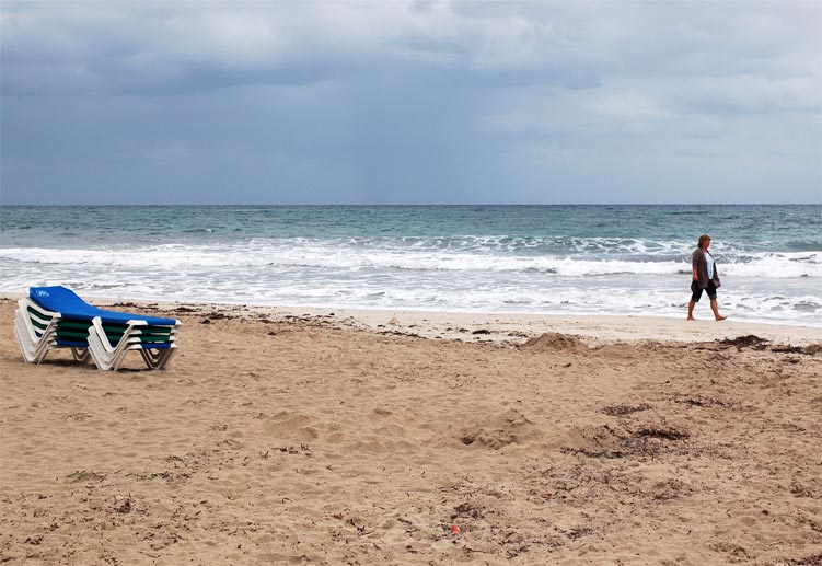 In der Nebensaison sind Mallorcas Strände meist verlassen (Quelle: dpa)