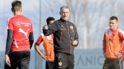 Stuttgart bezieht vor Kellerduell in Bremen Trainingslager auf Mallorca