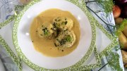 Fischklopse in Curryrahm