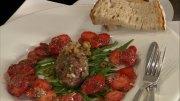 Tatar von der Sommergans mit Erdbeersalat