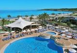 alltours baut strategische Position auf Mallorca aus und kauft zwei neue Luxushotels in Cala Millor