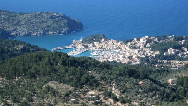Port de Soller von oben.