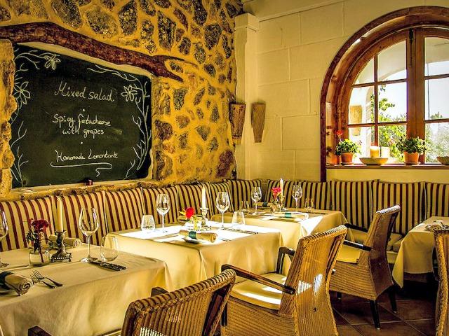 La Gourmeda drinnen.