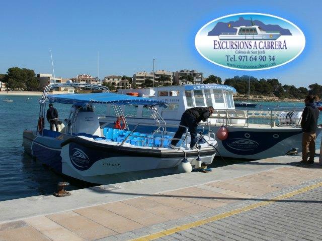 Boote von Excursions a Cabrera