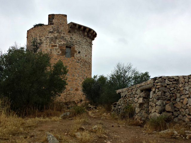 Der Torre d`Andritxol ist nicht zu besteigen.