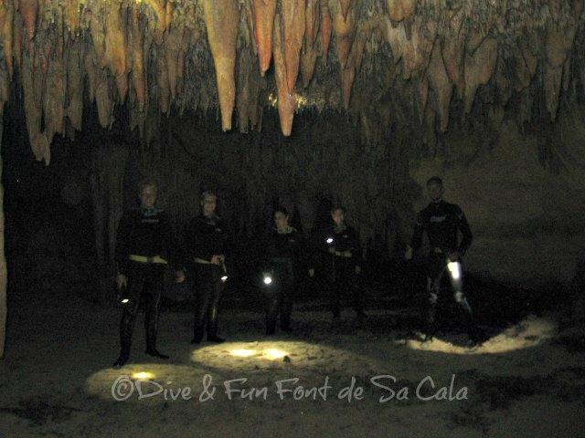 Höhlenforschung für Nachwuchsentdecker auf Mallorca