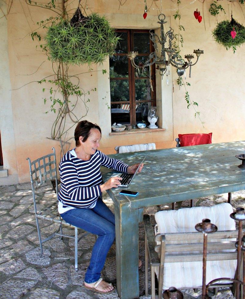 Arbeiten im Garten - Gaia Natural Mallorca