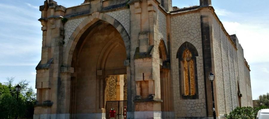 Die Kirche ohne Dach in Biniamar