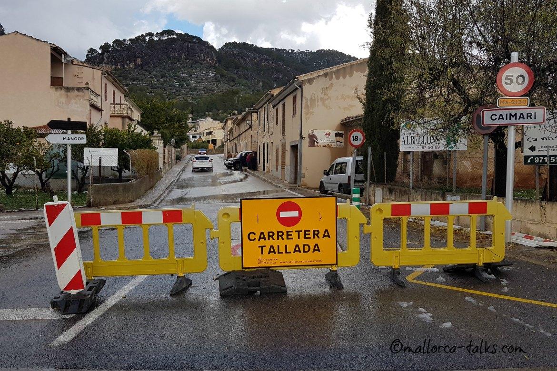 Schnee auf Mallorca - Straße gesperrt - Caimari