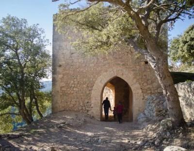 Familienwanderung zum Castell d'Alaro