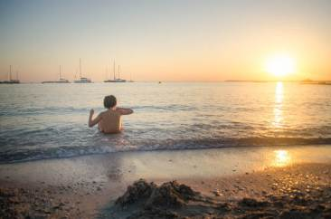 Sonnenuntergang am Strand Mallorca für Kinder