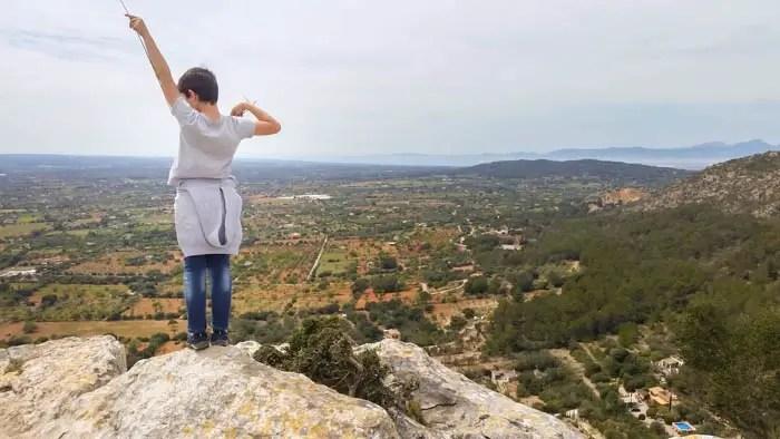 Auf dem Gipfel des Hexenberges Puig de ses bruixes