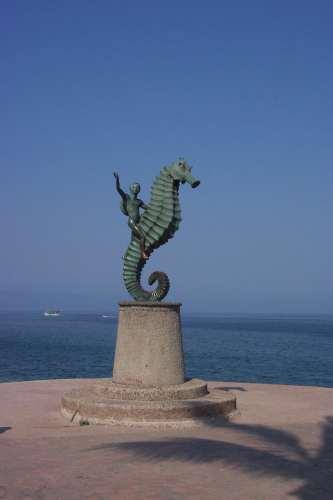 Seahorse Statue in Puerto Vallarta - at Tolfalas.com