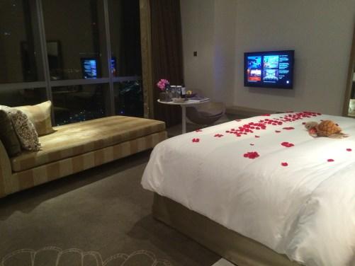 Room 4004 at the Jumeirah Etihad Towers - at Tolfalas.com