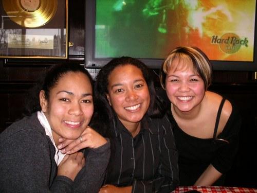 Nicole & Sisters at the Hard Rock Cafe Amsterdam @ Tolfalas.com