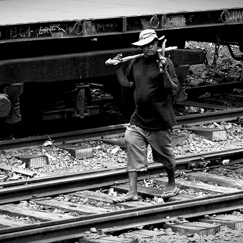 Sri lankan railroad worker