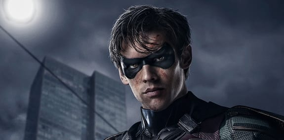 'Titans' Nightwing Supersuit Revealed