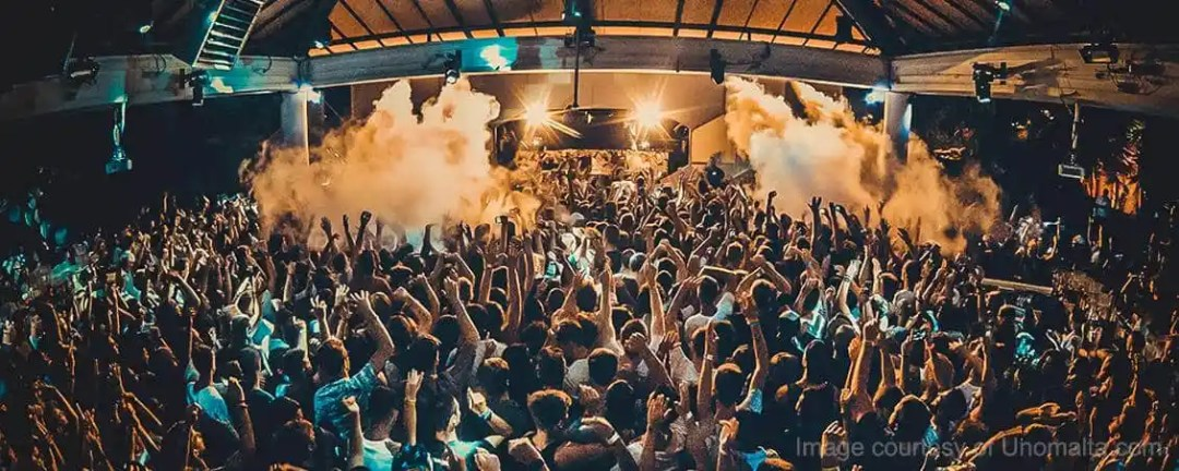 A taste of the nightlife in Malta and at one of the best open-air nightclubs, Numero Uno.