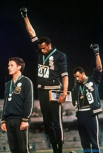 siyah-eldiven-olimpiyat-protestosu