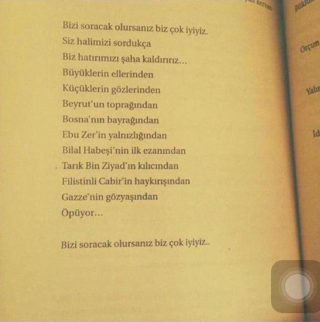 Esra Elönü'nün Hay Aksi adlı kitabında Gazze'nin Gözyaşlarından Öpeceğiz şiirinin yer aldığı sayfa