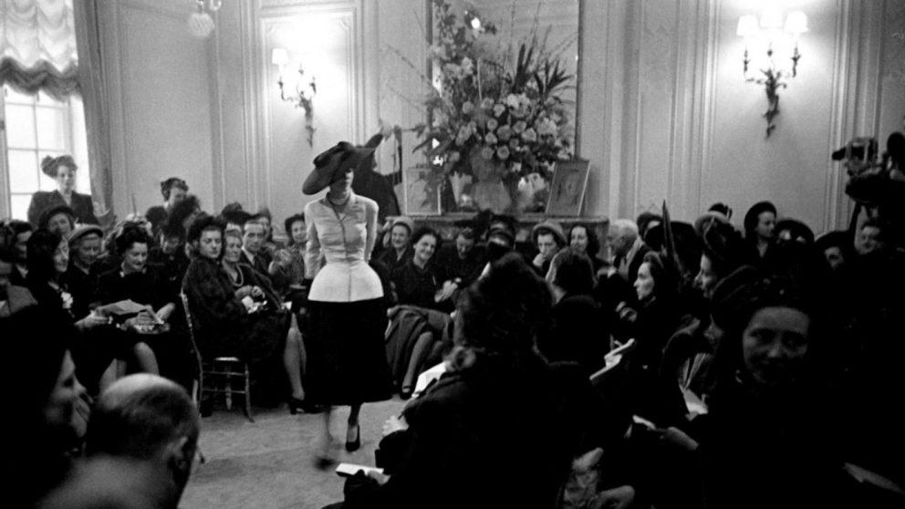 Mame Moda Dior evoluzione della giacca Bar di Christian. Sfilata 1947