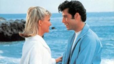 mame spettacolo GREASE - STASERA IN TV L'INTRAMONTABILE MUSICAL spiaggia