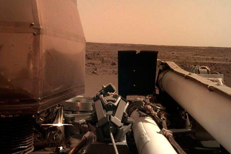 orizzonte di Marte della sonda InSight