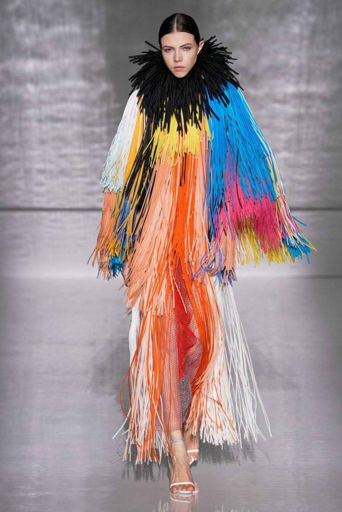 Givenchy Haute Couture, il formalismo notturno. Abito frange