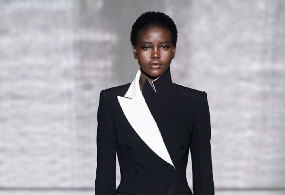 GIVENCHY HAUTE COUTURE, FORMALISMO NOTTURNO