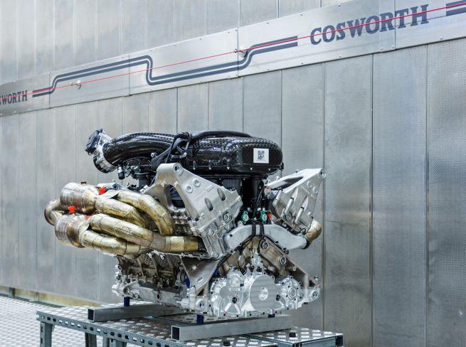 Aston Martin Valkyrie con motore Cosworth